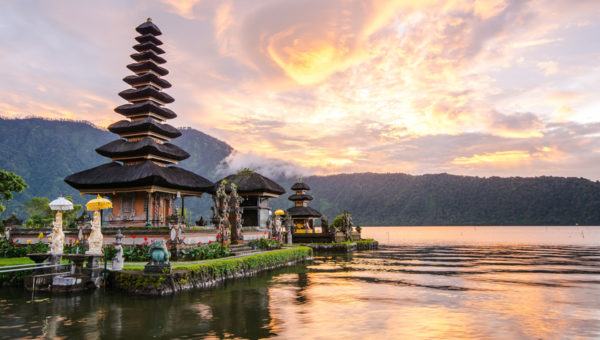 Top 10 Most Beautiful Honeymoon Places